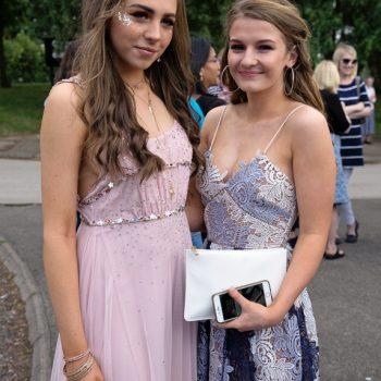 prom girls